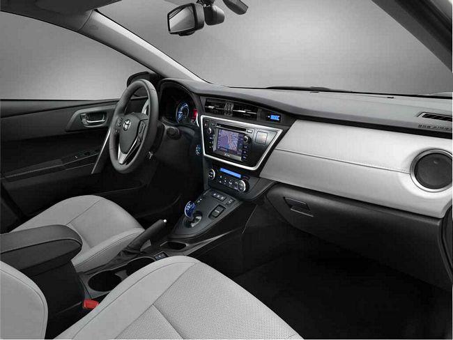 Interni nuova Toyota Auris