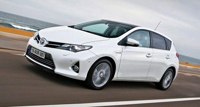 Nuova Toyota Auris Hybrid 5 porte