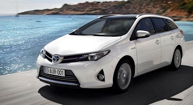Nuova Toyota Auris station wagon Touring sport
