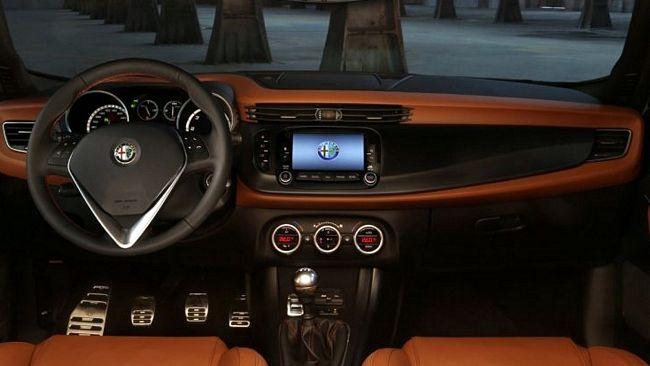 interni nuova Alfa Romeo Giulietta 2014
