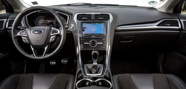 Interni nuova Ford Mondeo