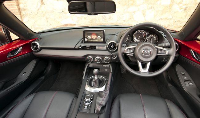 interni nuova Mazda Mx-5