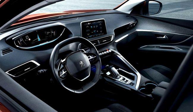 interni nuova Peugeot 3008 2016