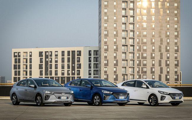 Gamma 2018 Hyundai Ioniq ibrida e elettrica