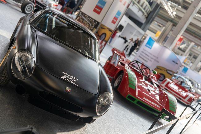 Auto d'epoca sportive in esposizione al Salone Automotoretrò 2019 di Torino