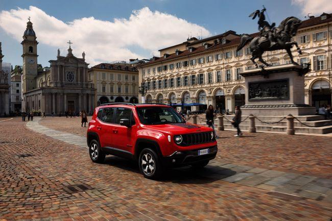 Nuova Jeep Renegade PHEV 2020 nel centro di Torino