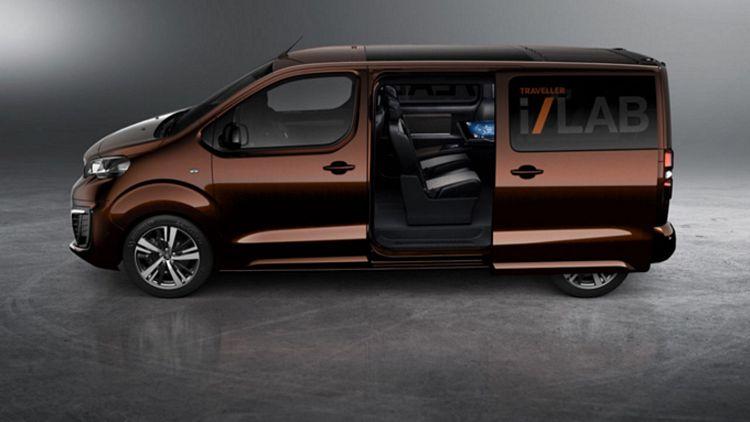 Minivan 9 posti Peugeot Traveller