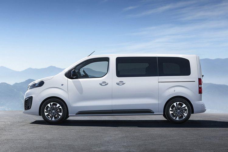 Minivan 9 posti Opel Zafira Life