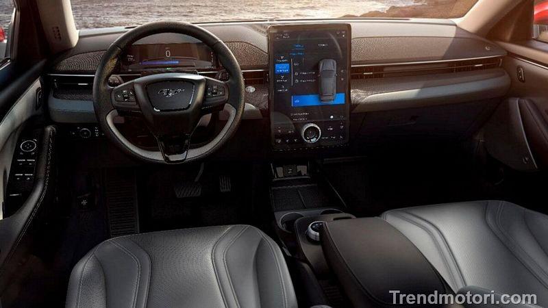 Interni della nuova Ford Mustang suv